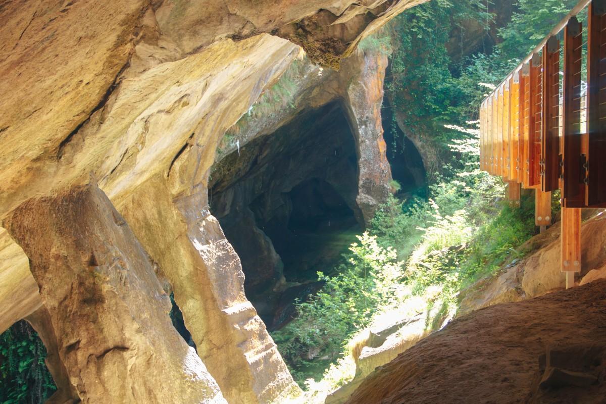 Тревизо пещеры