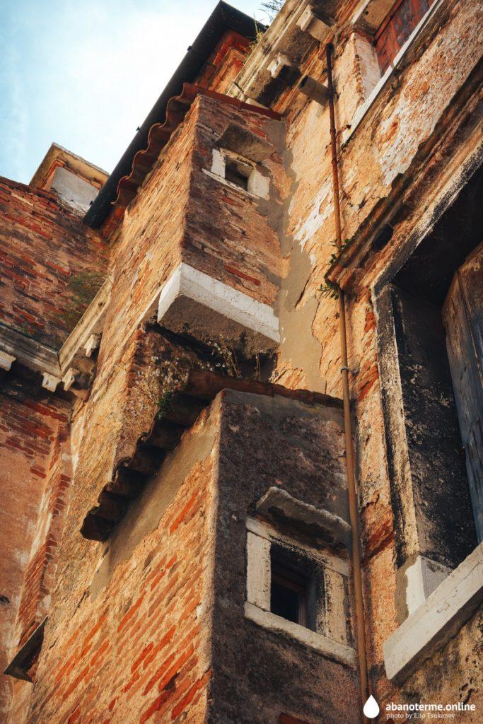 Кьоджа Италия Достопримечательности Дворец Лизатти Детали