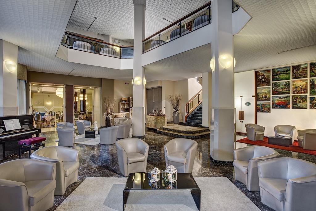 Отель Элизео Монтегротто Терме Италия Холл