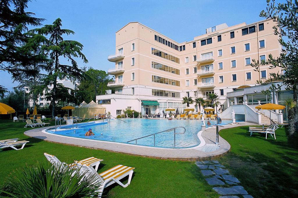 Отель Хельветия в Абано Терме