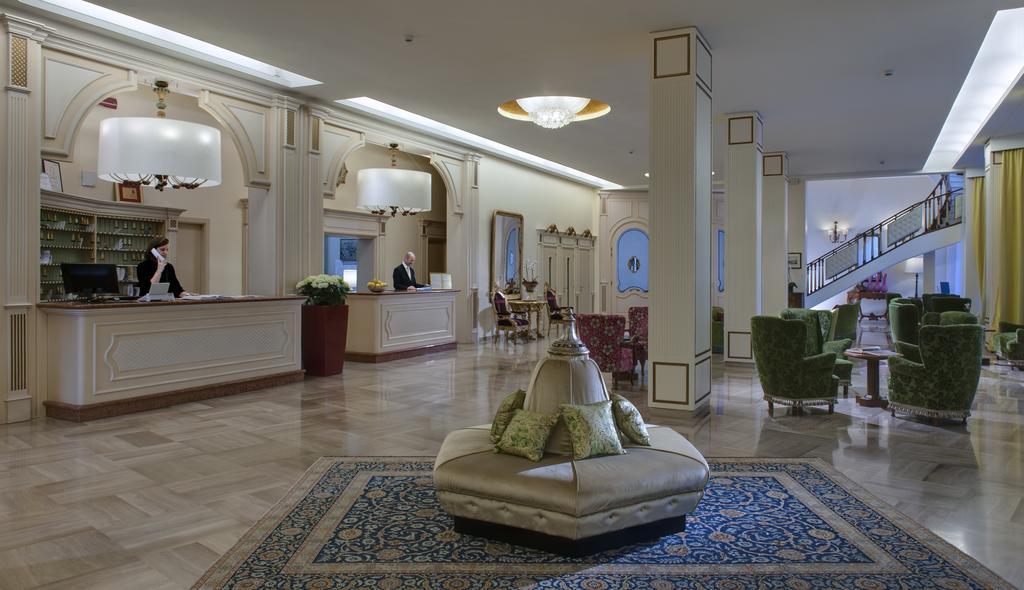 Отель Универсал в Абано Терме