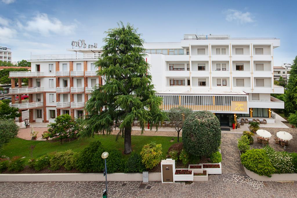 Отель Вена д Оро в Абано Терме