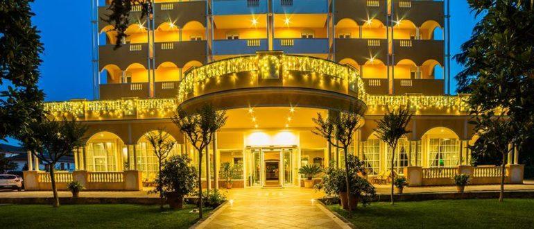 Отель Луна в Монтегротто Терме